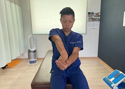腕橈⾻筋2